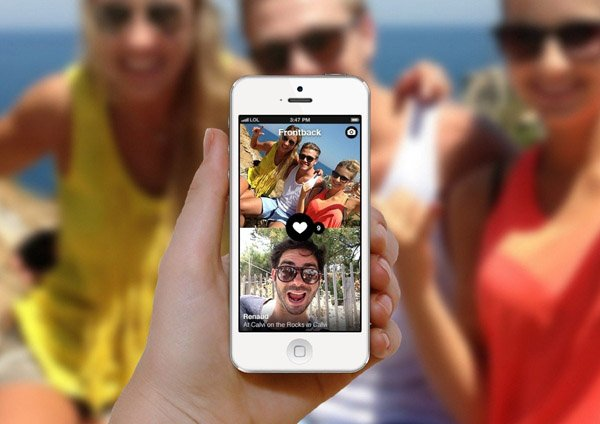 frontback-reinvents-the-selfie-and-puts-your-friends-in-the-photos-with-you