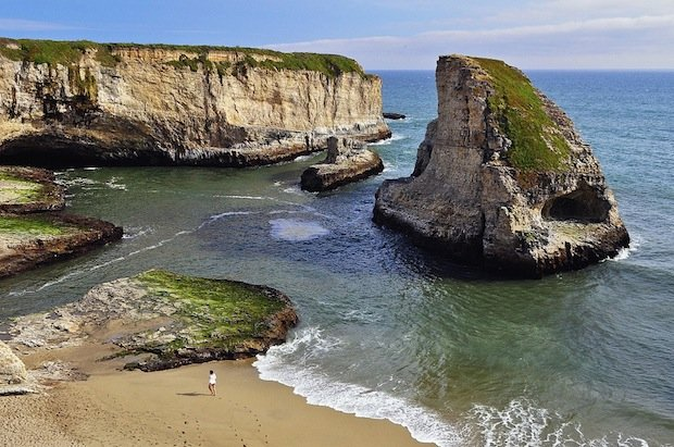 example-of-the-use-of-scale-in-photography-Shark-Fin-Cove-Santa-Cruz-CA-620-px