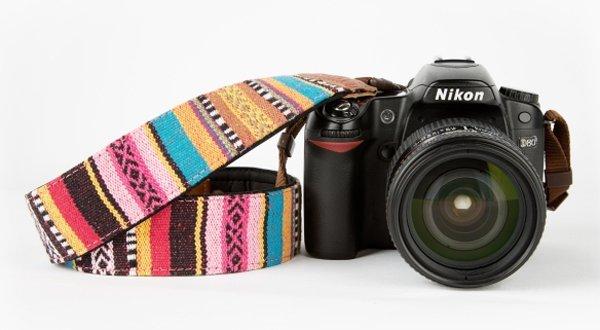 regalos_originales_para_aficionados_fotografia_correa_camara_colores_1