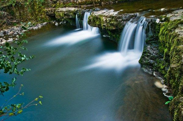waterfall-612184_1920