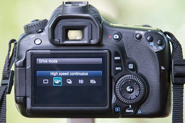 essential_camera_skills_4_fast_drive_rate ea884da484d943579654ee