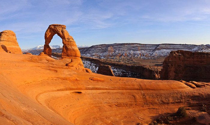 Delicate-Arch-Vertical-Panorama-960x575